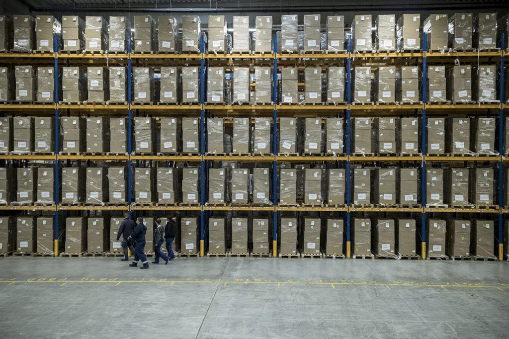 Alapanyag és félkész termék tárolás